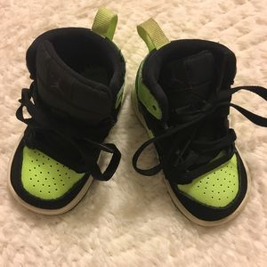 Toddler Boys Nike Jordan's size 4